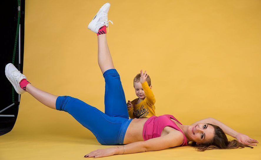 Упражнения для похудения живота с ребенком видео